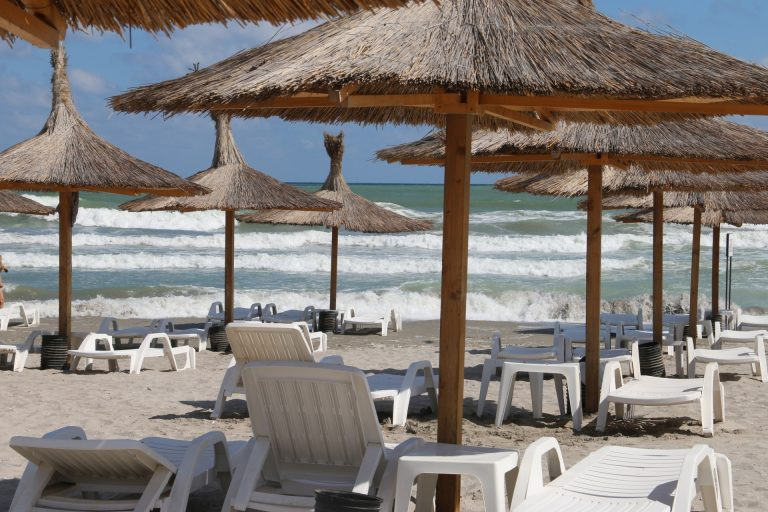 plaja-goala-litoral-romanesc-768x512_78224.jpg